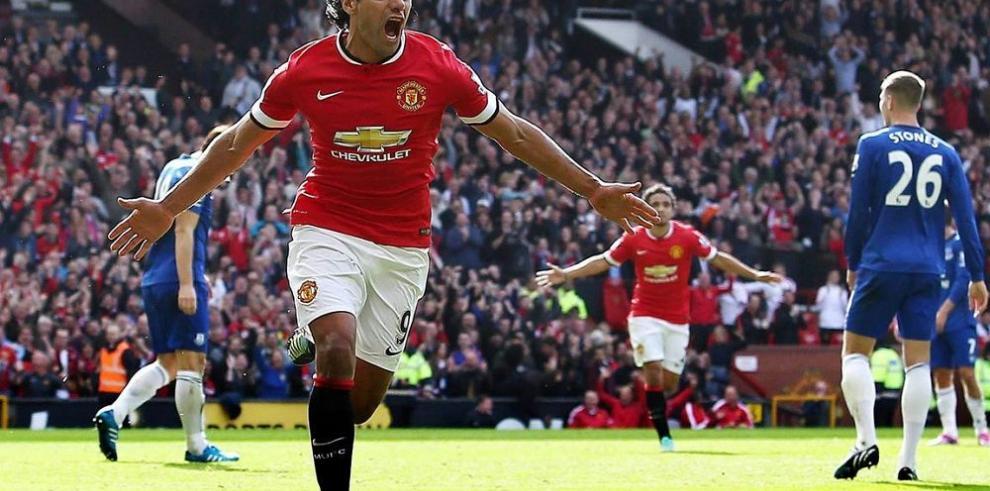 El United triunfó con goles sudamericanos
