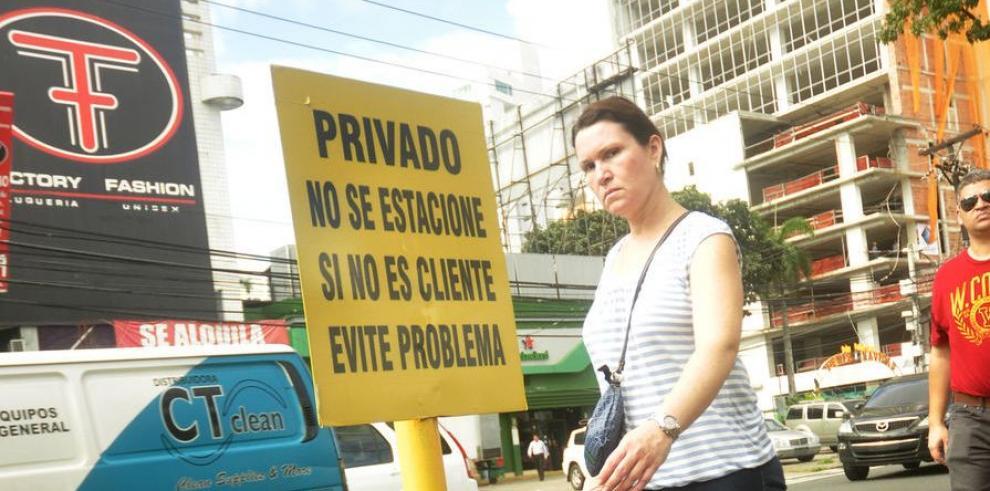 Amenaza privada sobre la acera de todos