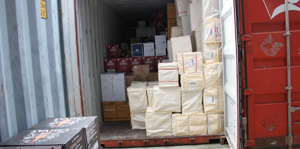 Retienen contenedor que llevaba mercancía no declarada a Colombia