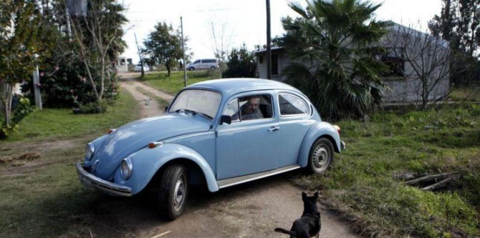 Mujica sigue analizando la venta del viejo Volkswagen