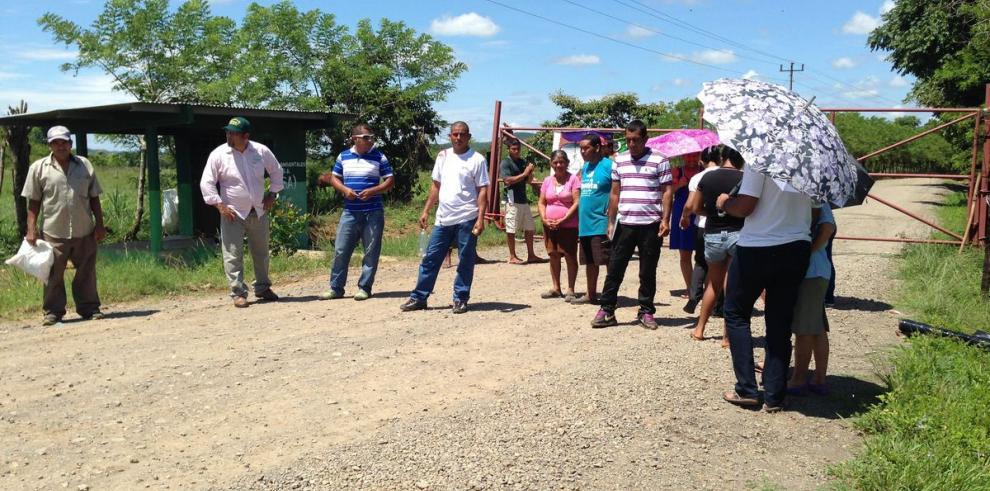 Moradores de El Espino bloquean vertedero