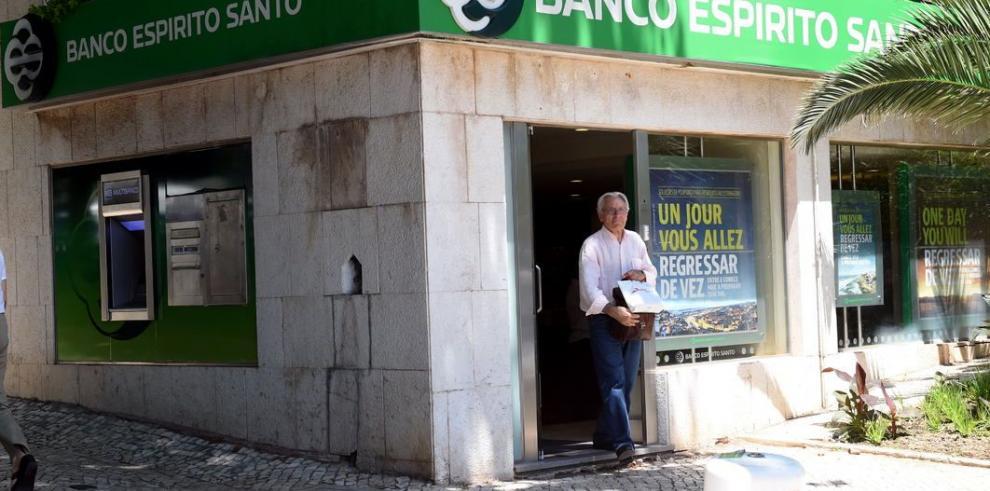 Escándalo bancario suscita dudas