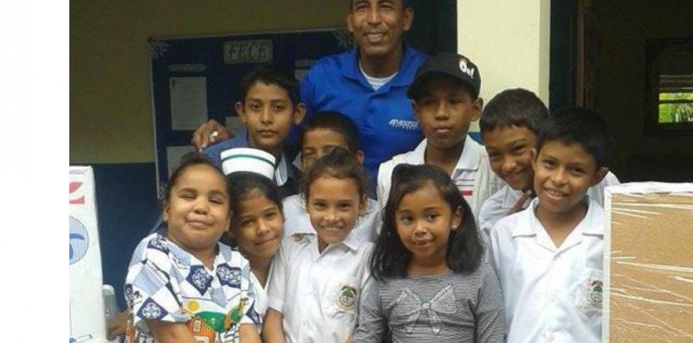 Ayudan a centro educativo