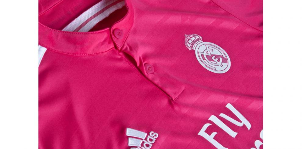 Así se ve la camiseta rosa del Real Madrid para 2014/2015