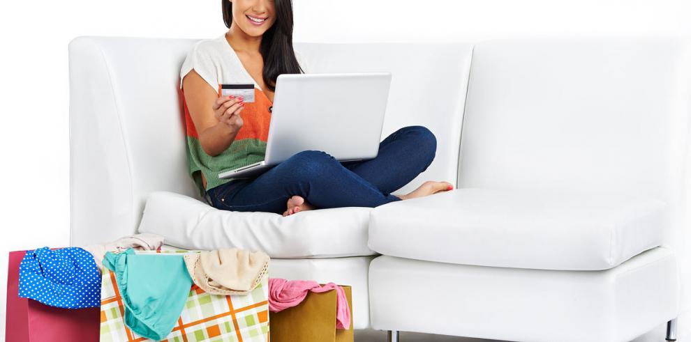 Las mujeres compran más por internet