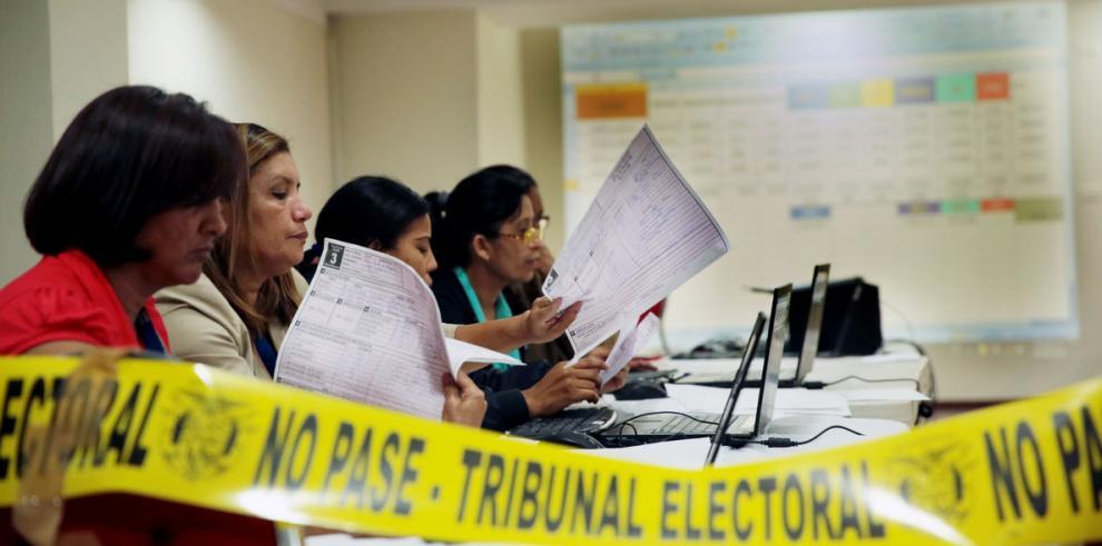 Elecciones por tres empates el 4 de mayo