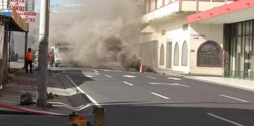 Reportan explosión en la 5 de mayo