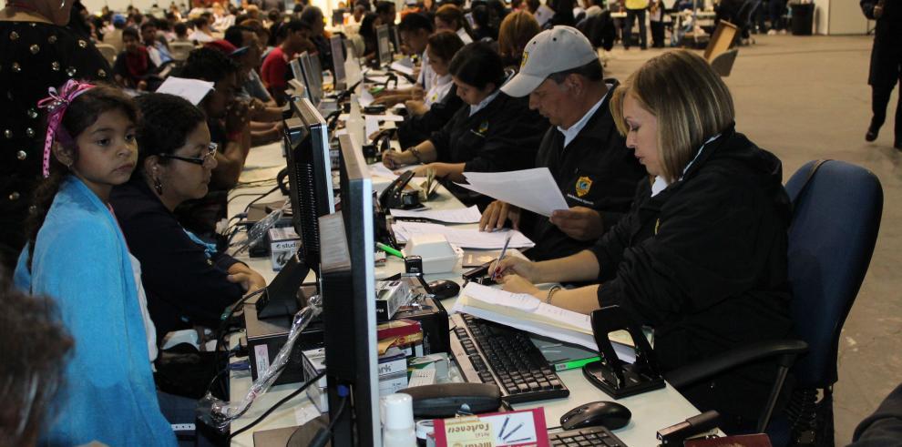 Mil 893 extranjeros regularizados en cuatro días del Crisol de Razas