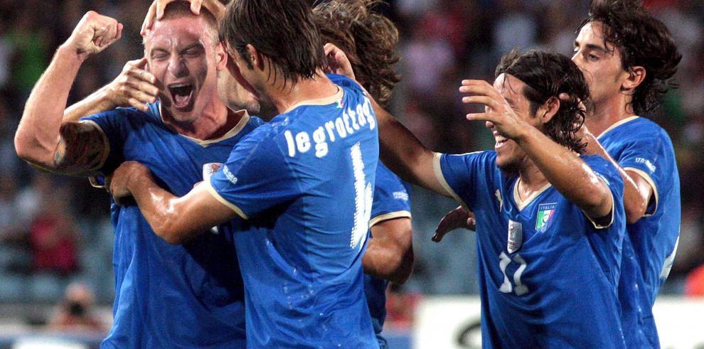 FIFA pide a la Federación Italiana que actúe ante el racismo de Tavecchio