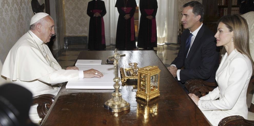 Felipe VI espera que el Papa Francisco visite España