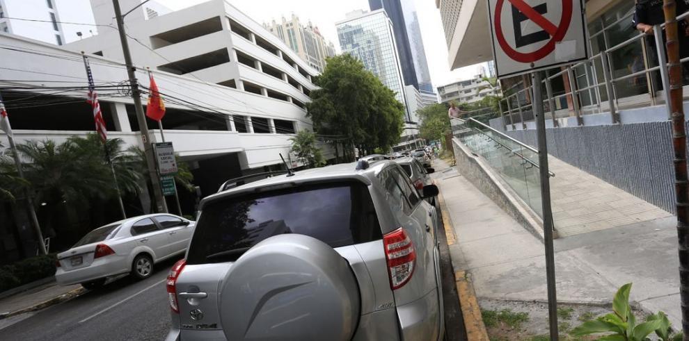 Alemanes, interesados en negocio de 'parking'