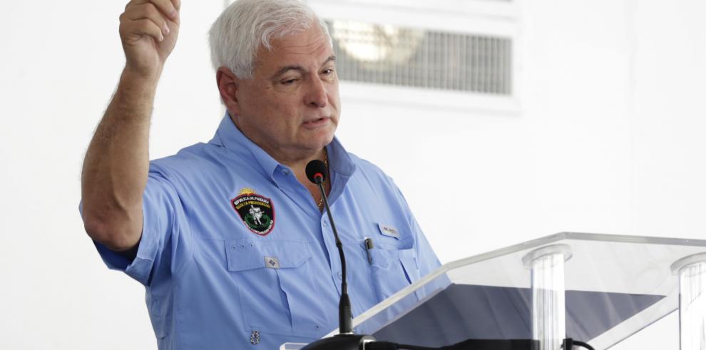 A pocas horas de terminar su mandato Martinelli indulta a sus allegados