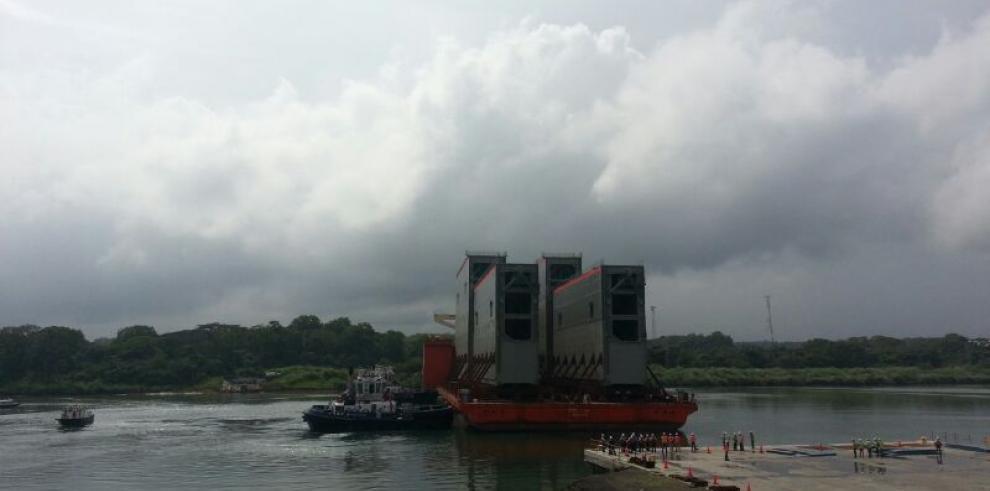 Llega el segundo juego de compuertas para nuevas esclusas del Canal