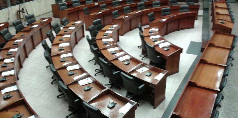 Ausencia en el pleno, sigue expectativa por proyecto de ley de escoltas