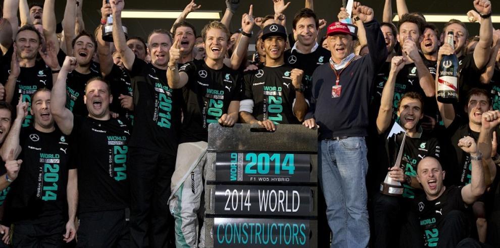 Hamilton domina en Rusia y ofrece a Mercedes el título de constructores