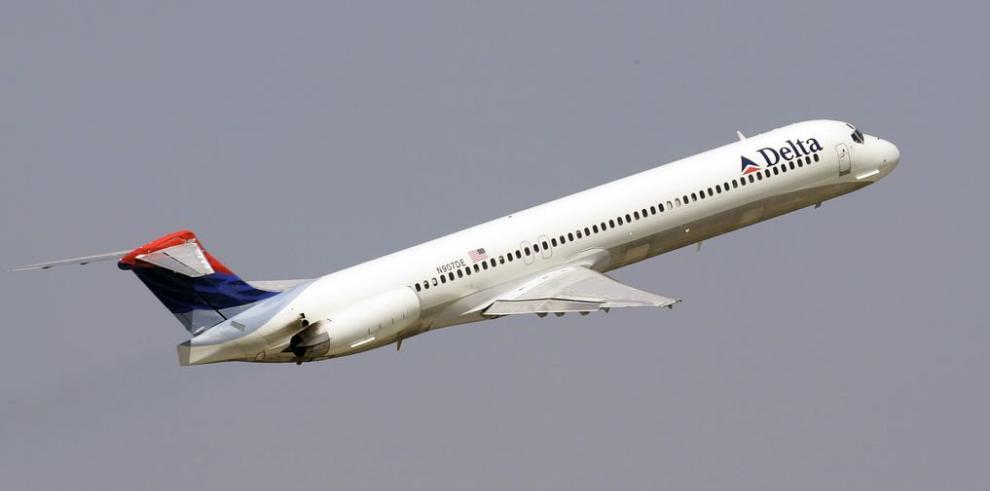 Delta, otra aerolínea que disminuye vuelos a Venezuela