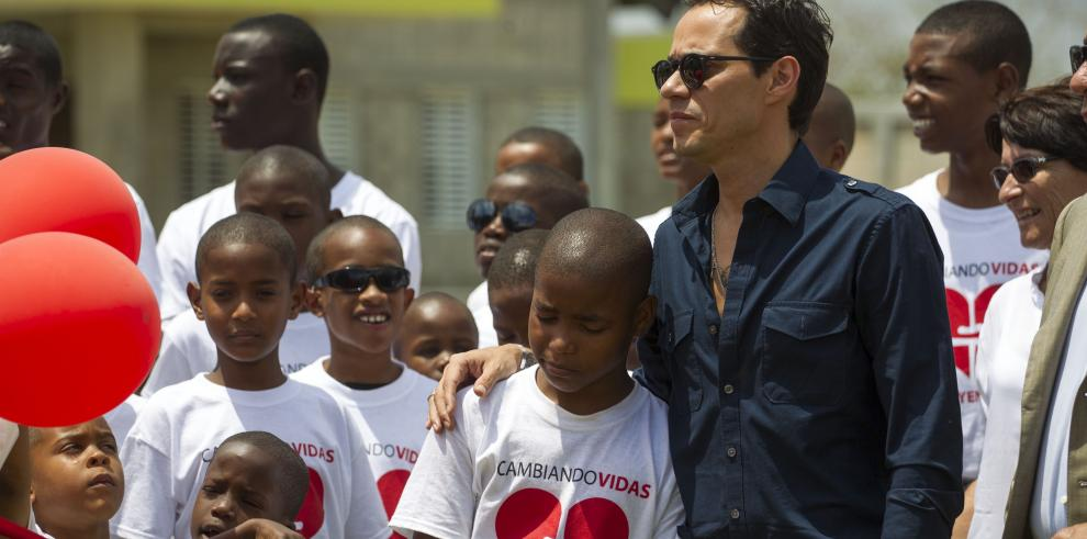 Marc Anthony inaugura orfanato en República Dominicana