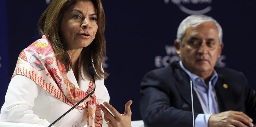 Chinchilla critica educación y alerta de retos económicos de A.Latina