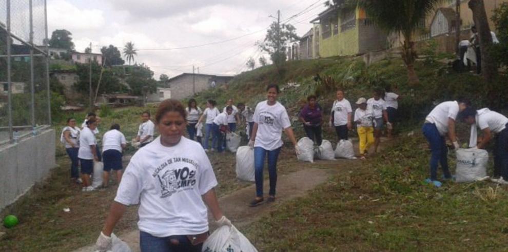 Estudiantes de Udelas realizan servicio social