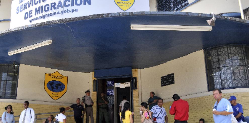 Autoridades de Migración de Panamá detienen a 23 dominicanas ilegales Panamá