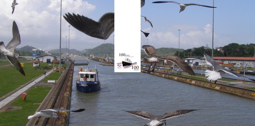 Paso por el Canal de Panamá del USNS Comfort