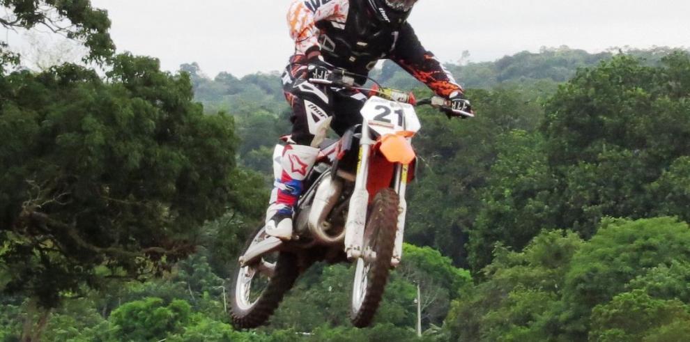Pilotos panameños al torneo Latinoamericano de Motocross
