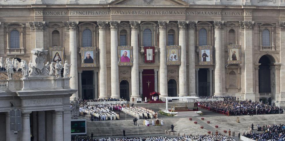 Detienen en España a tres sacerdotes acusados de abusar sexualmente a un menor