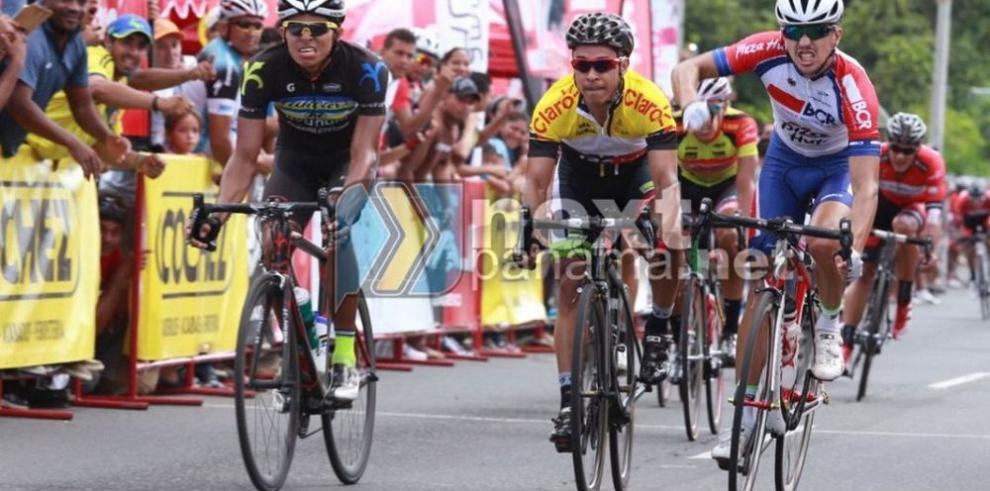 'Tico' Brenes gana tercera etapa