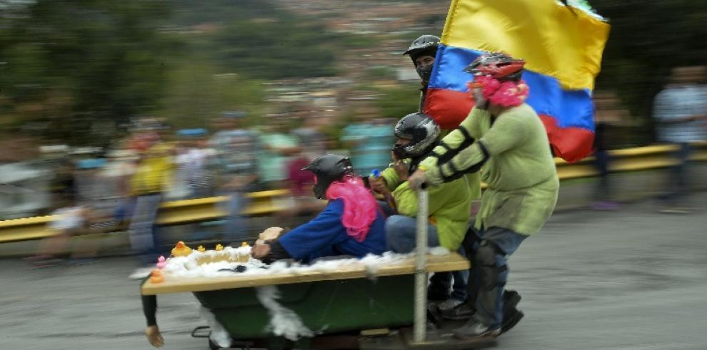 Galería del Festival de Carros de Rodillos en Medellín