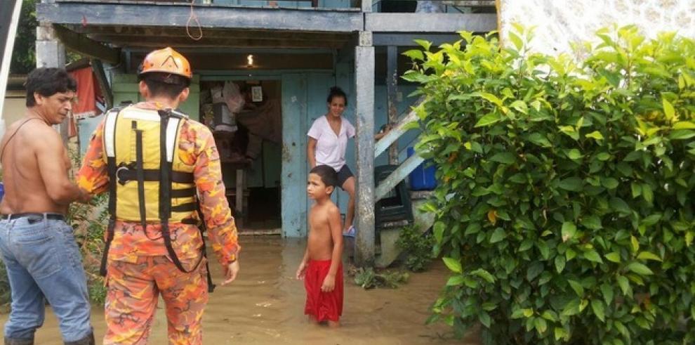 Asciende a 64 viviendas afectadas por desbordamiento de río en Chiriquí