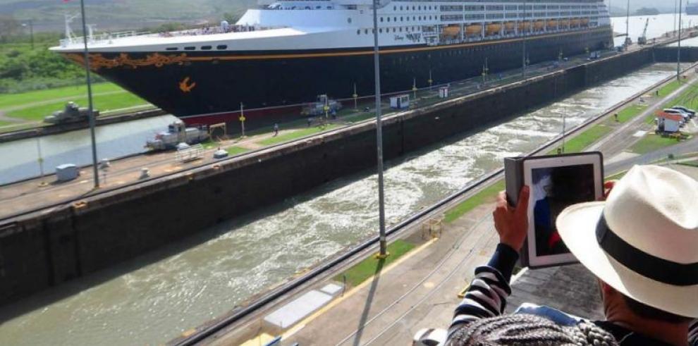 Casi un millón de visitantes recibió en 2014 el Canal de Panamá