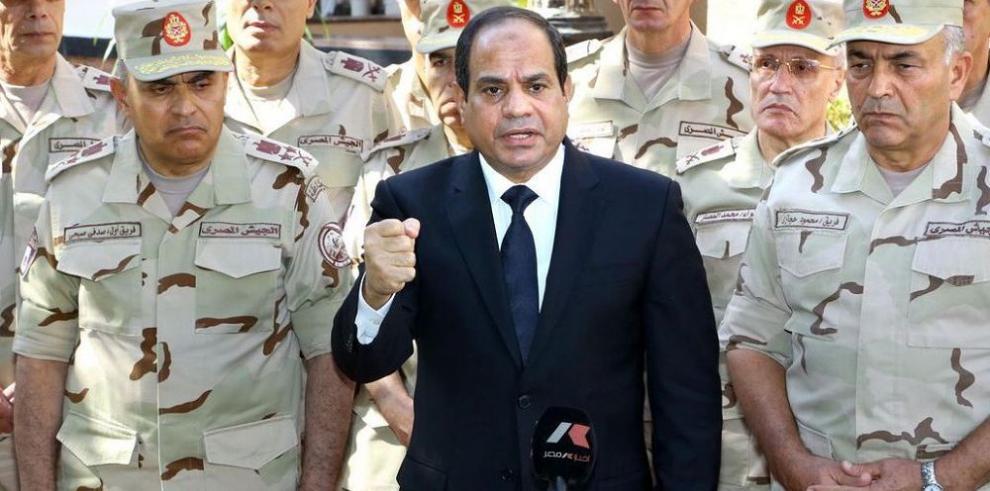 Al Sisi denuncia una conspiración extranjera tras atentado en Sinaí
