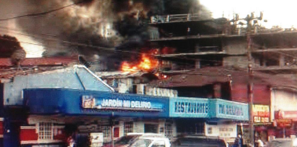 Se incendia caserón en Calle Cuarta Pueblo Nuevo