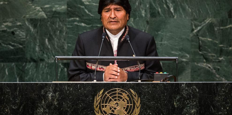 Morales dice que tres países pidieron dinero prestado a Bolivia