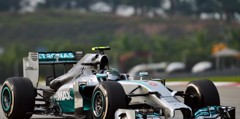Mercedes afina todo para ganar 'Bahrein'