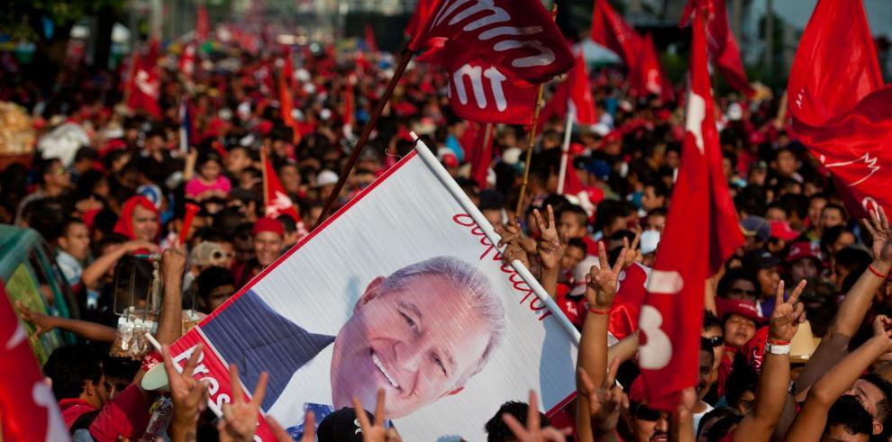 ¿El Salvador quería seguir a la izquierda o girar a la derecha?
