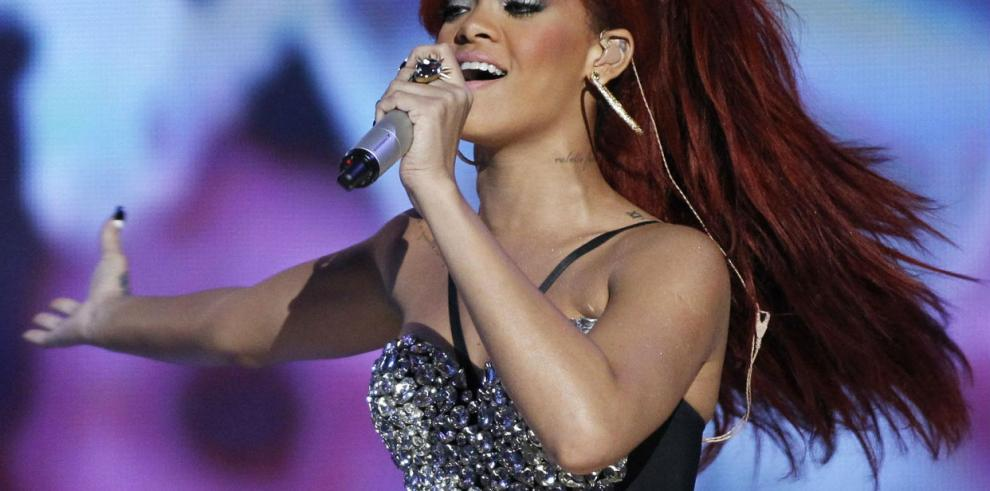 Rihanna, icono de estilo, según el Consejo de Diseñadores de Estados Unidos