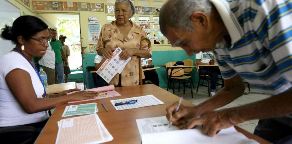 TE entregarán material electoral para mesas de votación en abril