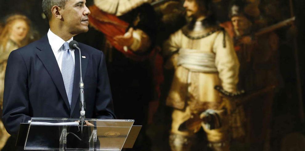 Obama amenaza a Moscú, que consolida su control militar en Crimea