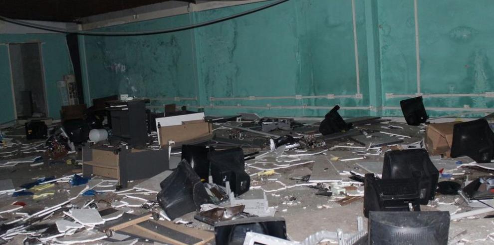 Vandalizan antiguas instalaciones del colegio Abel Bravo