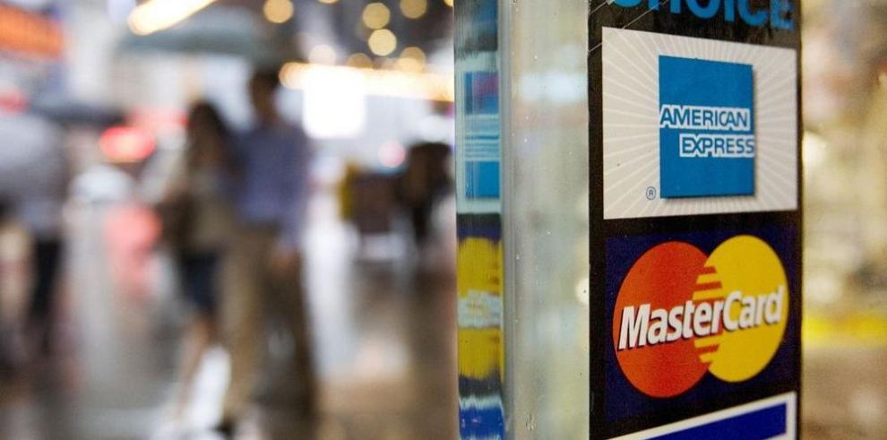 Saldo de tarjetas de crédito sube 11.9%