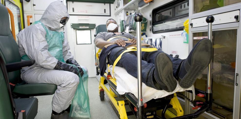 Los Estados intentan prevenir el contagio por ébola