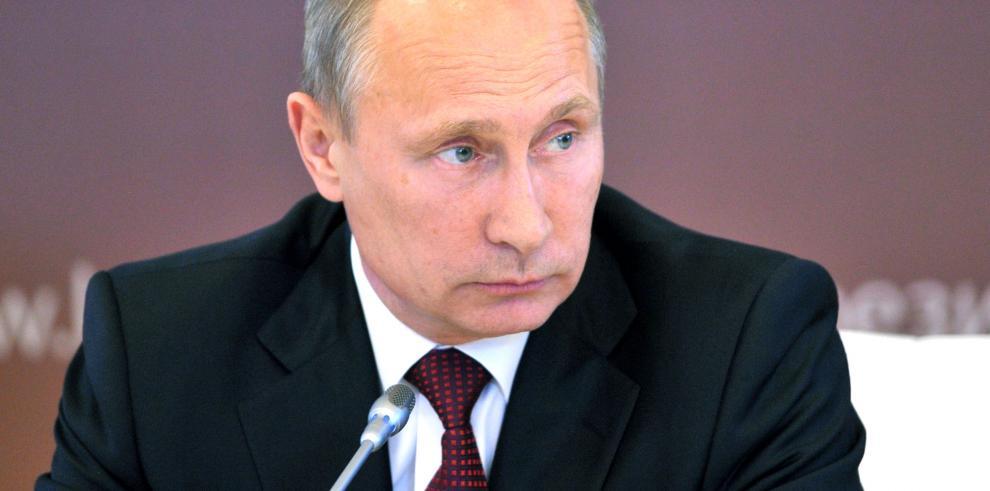 Gobierno de Putin no tendrá vacaciones debido a la crisis económica en Rusia