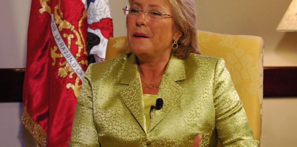 Bachelet viaja a EEUU a reunirse con Obama