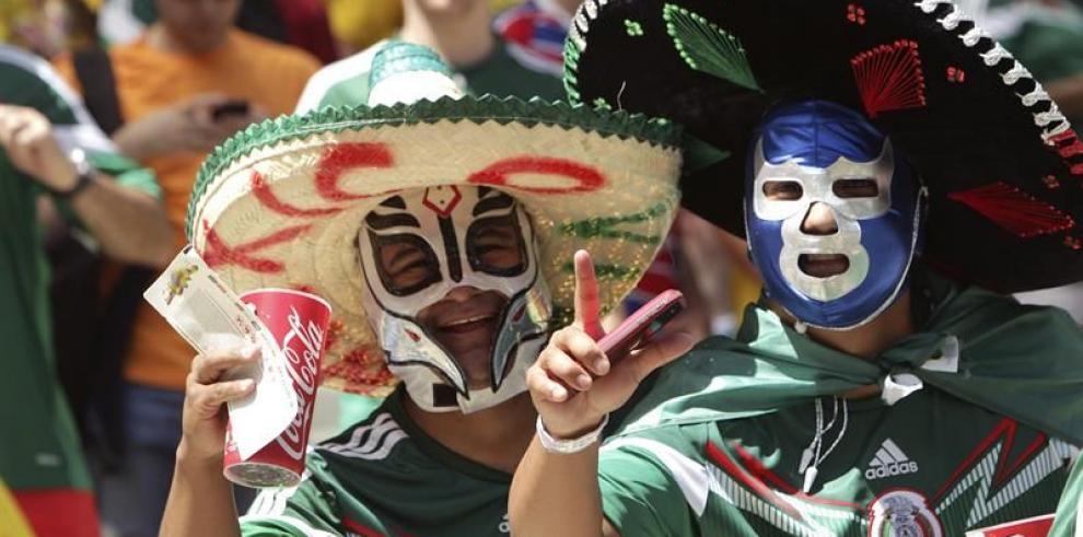 Holanda gana 2-1 y México se despide del Mundial