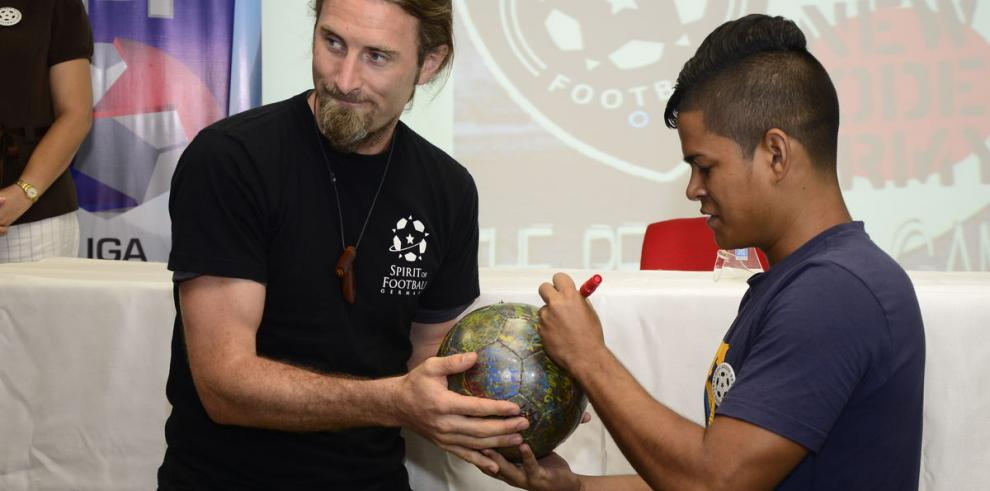 El 'Balón de la Paz' ha llegado a nuestro país