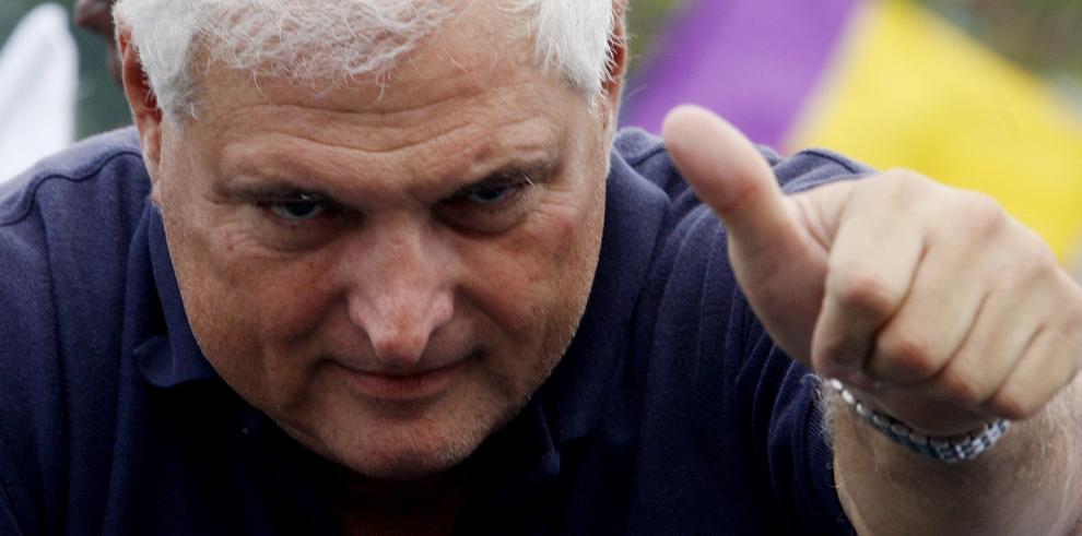 Martinelli arremete contra diputados Panameñistas