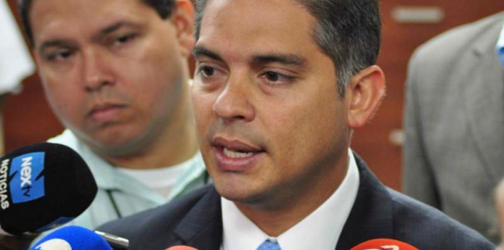 Valderrama desconfía resultados en gestión de Bianchini
