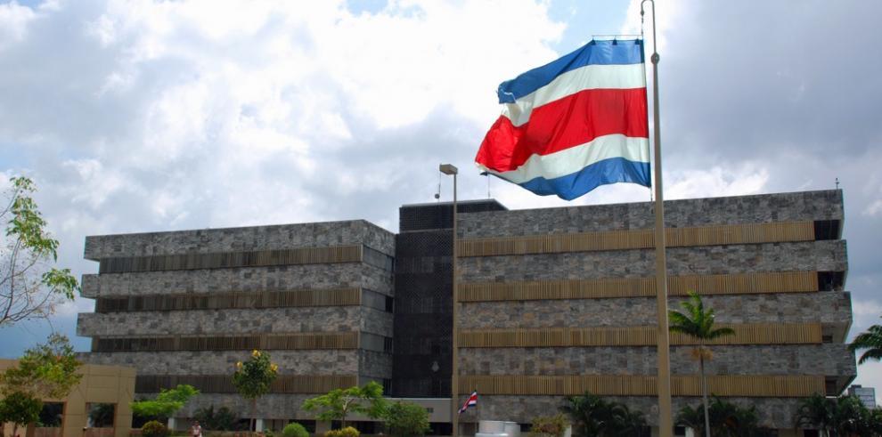 Juez muere tras recibir un balazo en las afueras de un bar en Costa Rica