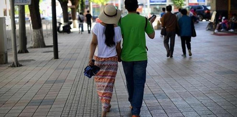 Novias virtuales negocio lucrativo en China